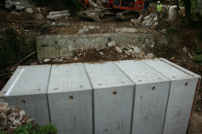 Aménagement d'un pont pour les chauves-souris : ça remu à Pont calek Img_3014