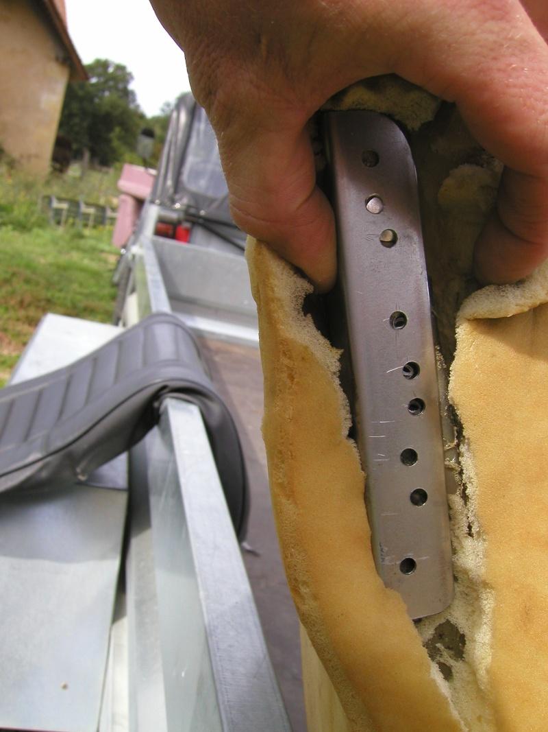 Dossier de siège CJ7 cassé P9110025