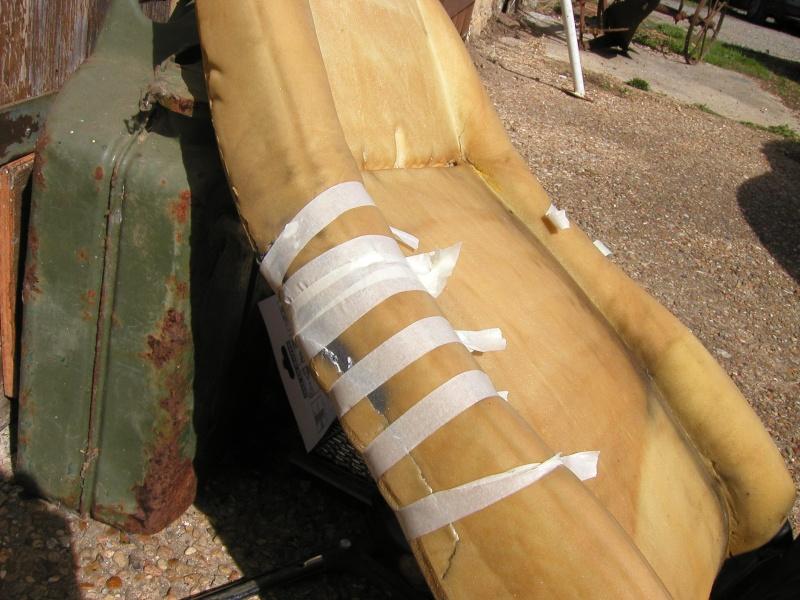 Dossier de siège CJ7 cassé P9130011