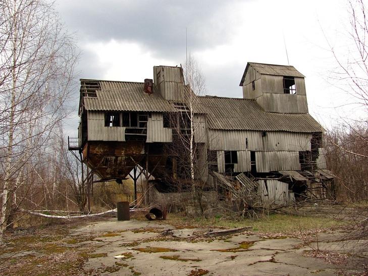 Abandoned places  Sans-t10