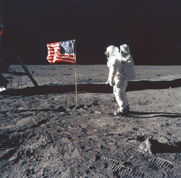 Neil Armstrong (8/5/30 - 8/25/12) Neil_a10