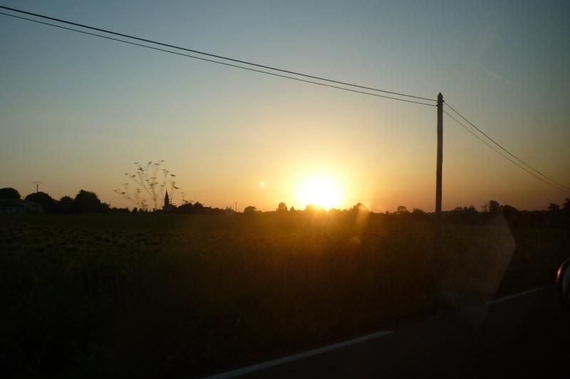 les plus belle photos de couchers de soleil - Page 8 P1050611