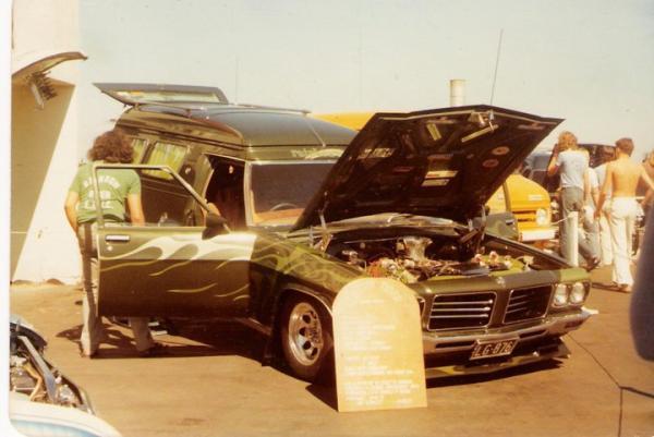 Karls Van In Street Machine 610