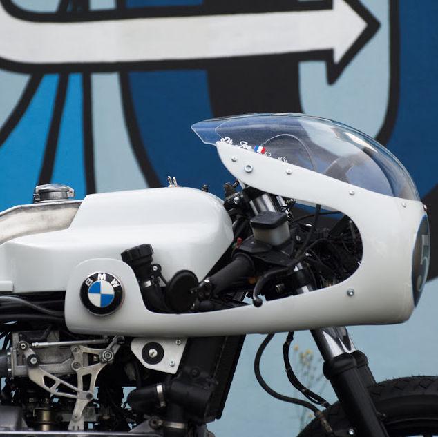 C'est ici qu'on met les bien molles....BMW Café Racer - Page 7 1210