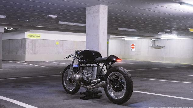 C'est ici qu'on met les bien molles....BMW Café Racer - Page 9 142