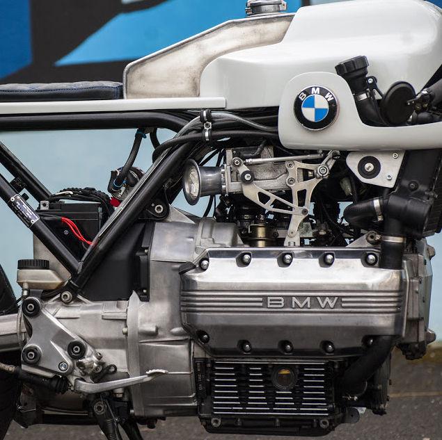 C'est ici qu'on met les bien molles....BMW Café Racer - Page 6 312
