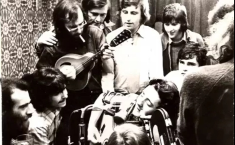 Irish Tour (Tony Palmer's Film - 1974) - Page 10 Boat_c10