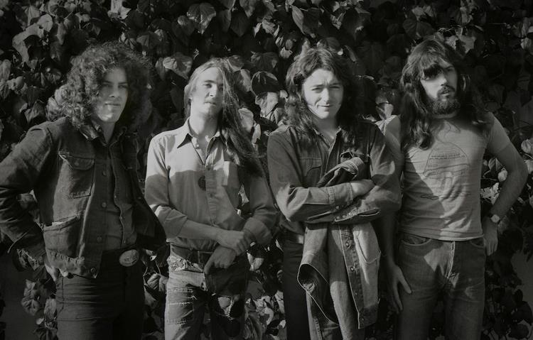 Rory Gallagher Band Mk 2 (1972-1978) - le quartette - Page 3 31892010