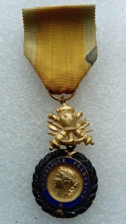 Médaille 🎖 valeur eeett. Discipline...  Dsc_0519