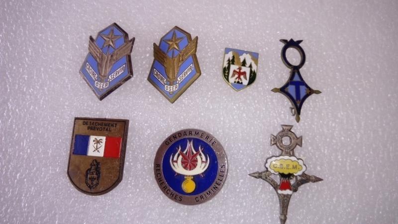 Insignes Gendarmerie et diverses...   Dsc_1016