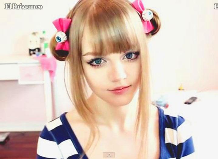 Dakota Rose , La chica que parece una barby real o una anime. Barby112