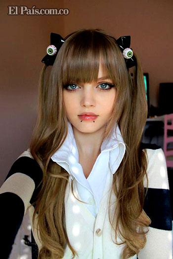Dakota Rose , La chica que parece una barby real o una anime. Barby510