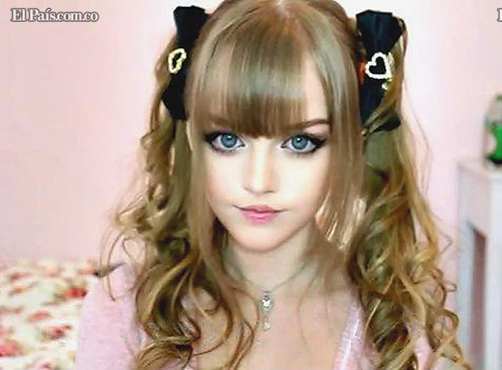 Dakota Rose , La chica que parece una barby real o una anime. Barby710