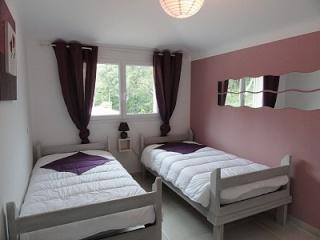auriez vous des photos de déco de pièce avec la couleur bois de rose 67829410