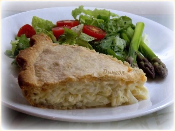 Tarte (pâté) à l'oignon et au fromage  16047610