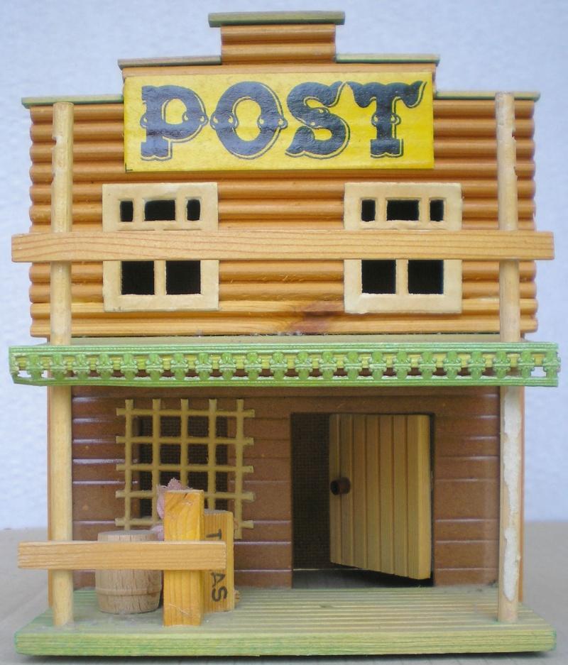 Wildwest-Gebäude aus Holz für Figuren von 54 bis 70 mm Demusa13