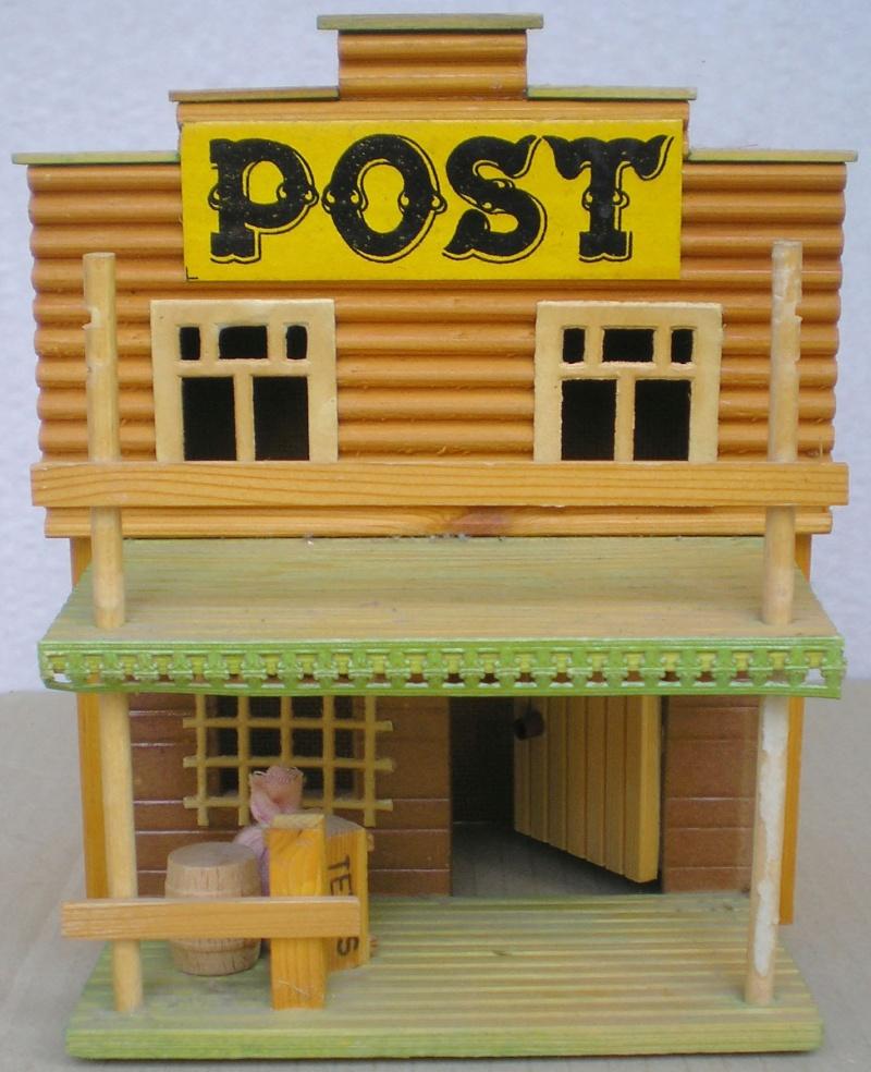 Wildwest-Gebäude aus Holz für Figuren von 54 bis 70 mm Demusa14