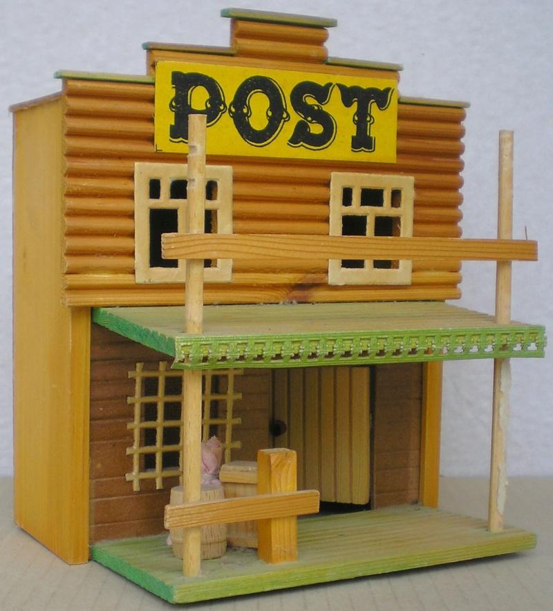 Wildwest-Gebäude aus Holz für Figuren von 54 bis 70 mm Demusa15