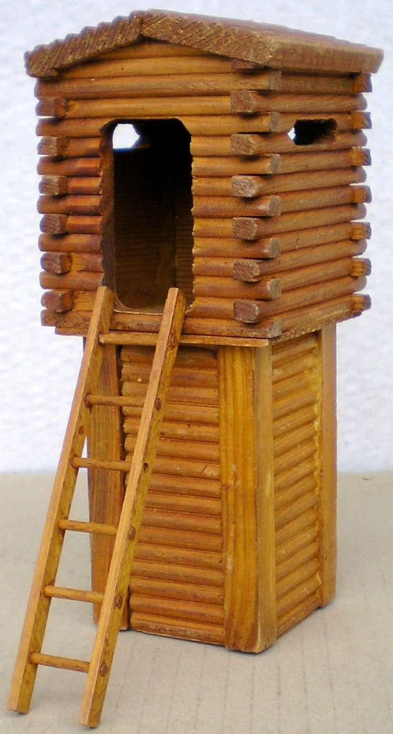 Wildwest-Gebäude aus Holz für Figuren von 54 bis 70 mm Shg_sl14