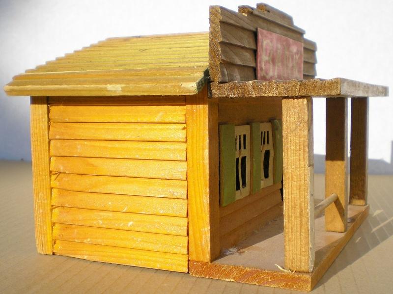 Wildwest-Gebäude aus Holz für Figuren von 54 bis 70 mm Vero_s11