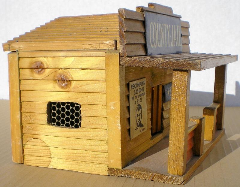Wildwest-Gebäude aus Holz für Figuren von 54 bis 70 mm Vero_s13