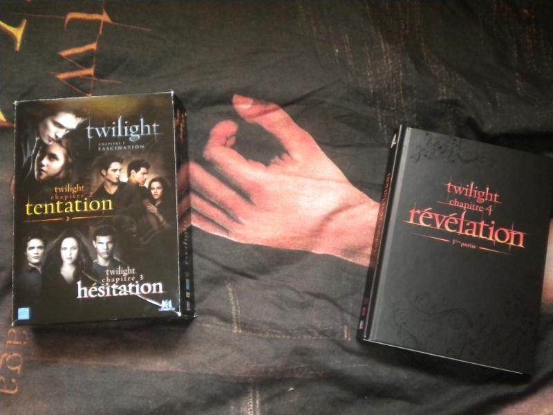 [Saga Twilight] Votre collection en photos - Page 15 Dscn2813