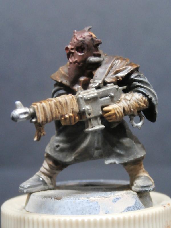 Cultistes du chaos - figurine Warhammer (FINI) P1110011