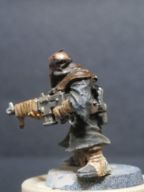 Cultistes du chaos - figurine Warhammer (FINI) P1110013