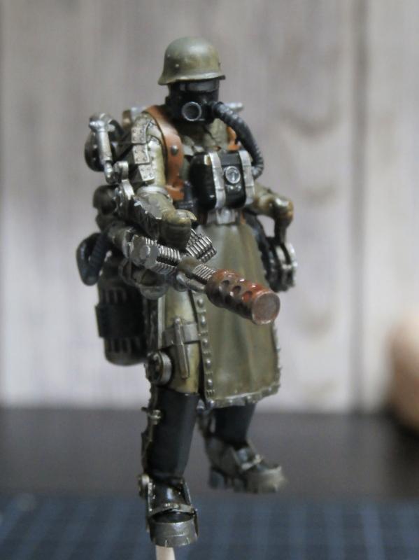 "F.I.A ""Drache"" figurine Maim 1/35 + Kubelwagen Revell 1/35 (FINI) P1140010"