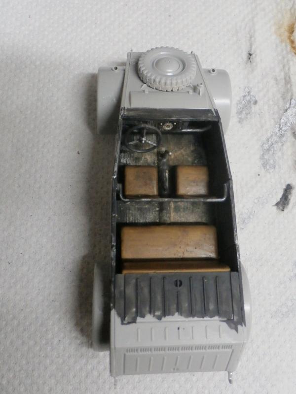 "F.I.A ""Drache"" figurine Maim 1/35 + Kubelwagen Revell 1/35 (FINI) P1150011"