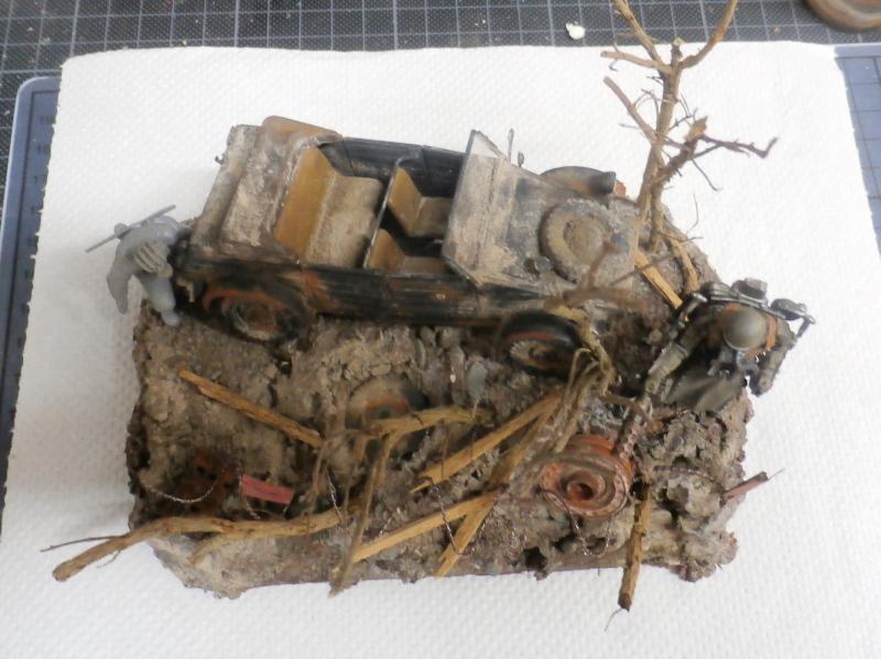 "F.I.A ""Drache"" figurine Maim 1/35 + Kubelwagen Revell 1/35 (FINI) - Page 2 P1180014"
