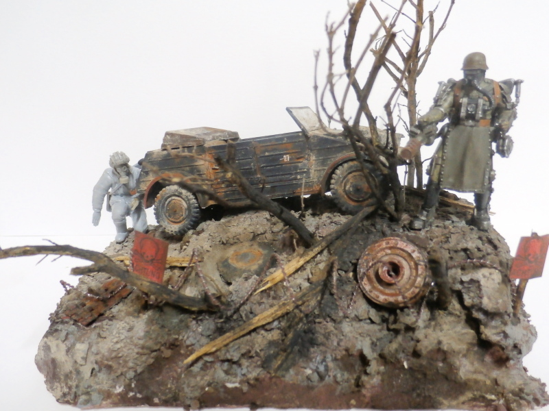 "F.I.A ""Drache"" figurine Maim 1/35 + Kubelwagen Revell 1/35 (FINI) - Page 2 P1180017"