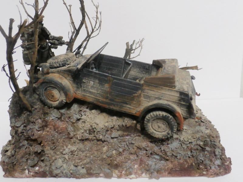 "F.I.A ""Drache"" figurine Maim 1/35 + Kubelwagen Revell 1/35 (FINI) - Page 2 P1180019"