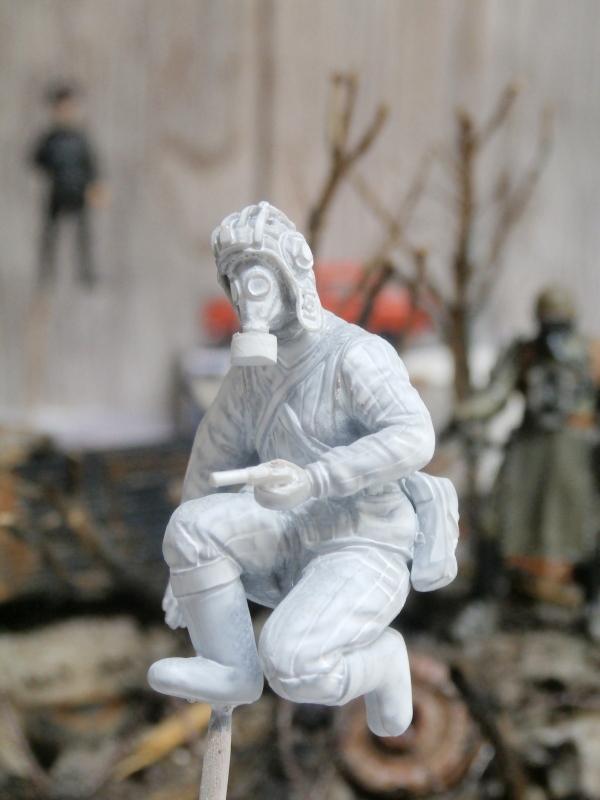 "F.I.A ""Drache"" figurine Maim 1/35 + Kubelwagen Revell 1/35 (FINI) - Page 2 P1190012"