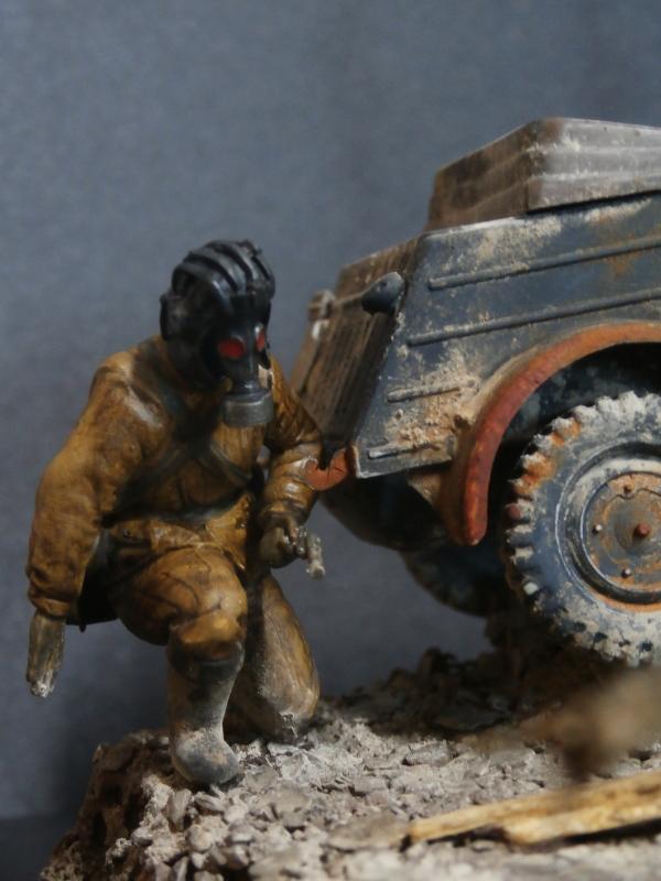 "F.I.A ""Drache"" figurine Maim 1/35 + Kubelwagen Revell 1/35 (FINI) - Page 2 P1200011"
