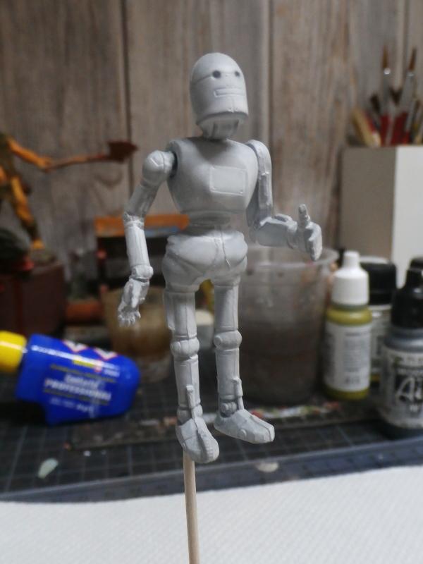 Robot 1/24 MB (FINI) P2120010