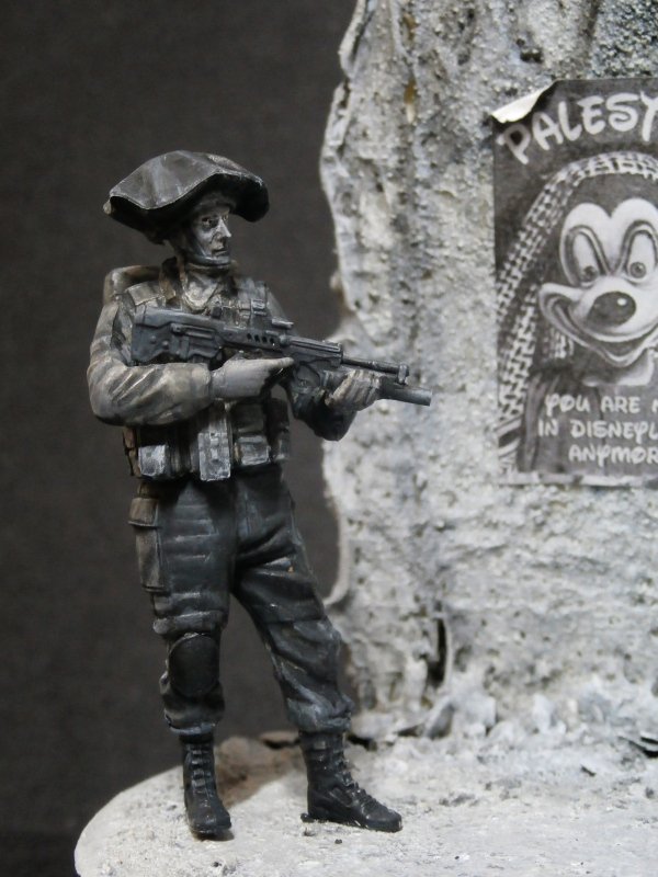 Défi noir & blanc : Palestine - figurine Meng + figurine MB 1/35 *** Terminé en pg 1 P3010010