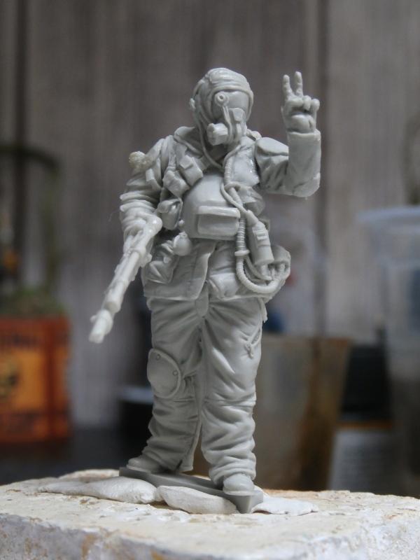 """""""Sniper"""" Figurine Kellerkind Miniaturen 1/35 (FINI) P3090011"""