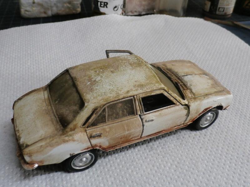 Peugeot 504 abandonnée - diecast Welly (FINI) P3170014
