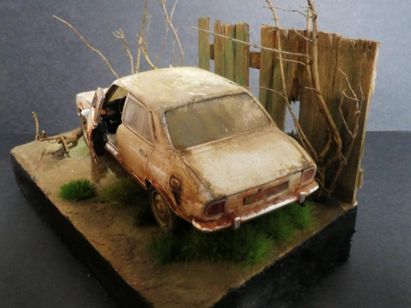 Peugeot 504 abandonnée - diecast Welly (FINI) P3180013
