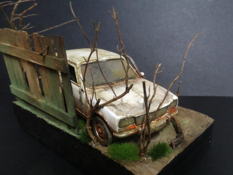Peugeot 504 abandonnée - diecast Welly (FINI) P3180014