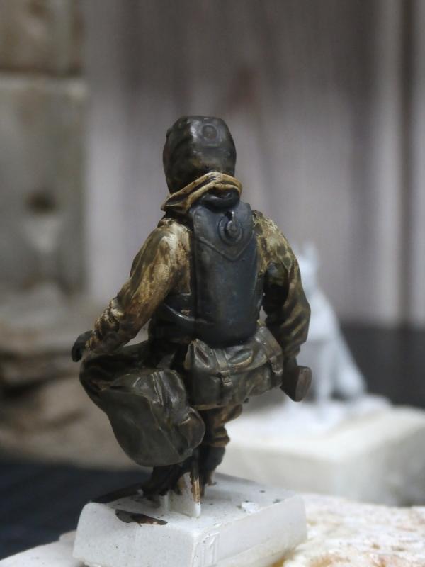 """""""Le guetteur"""" figurine Mig modifiée 1/35 (FINI) P3300013"""