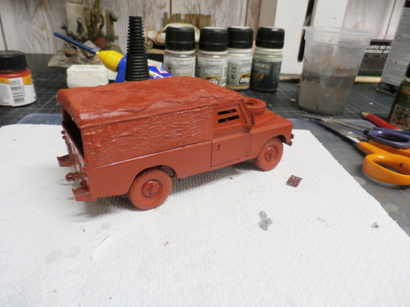 Land Rover - Revell 1/35 (FINI) P4020013