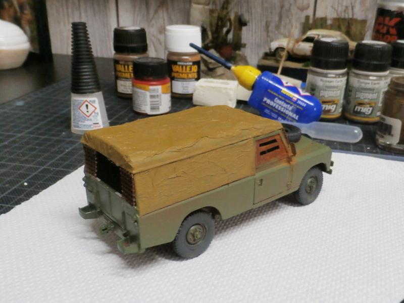Land Rover - Revell 1/35 (FINI) P4030011
