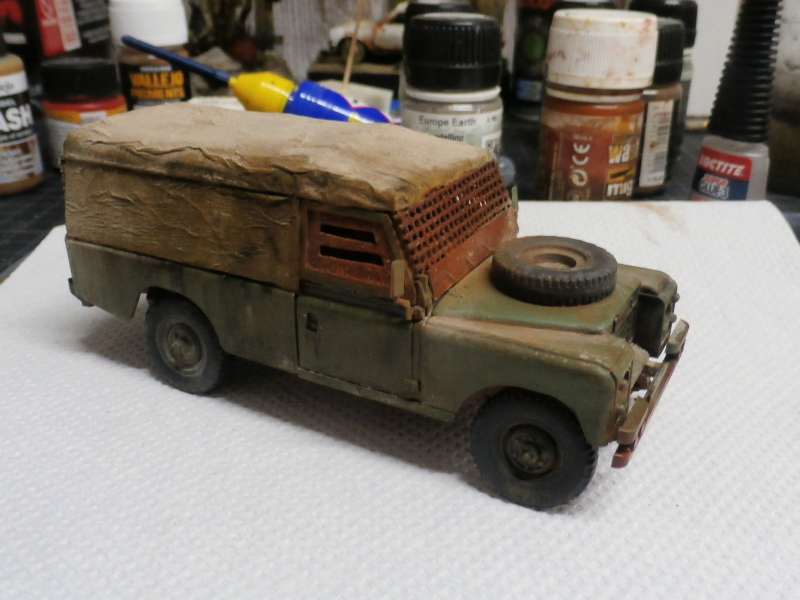 Land Rover - Revell 1/35 (FINI) - Page 2 P4030012