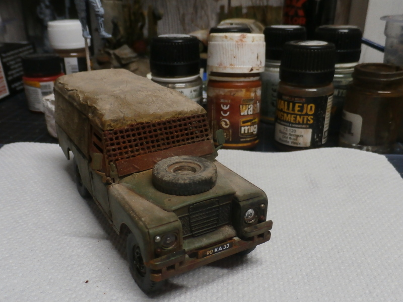Land Rover - Revell 1/35 (FINI) - Page 2 P4040011