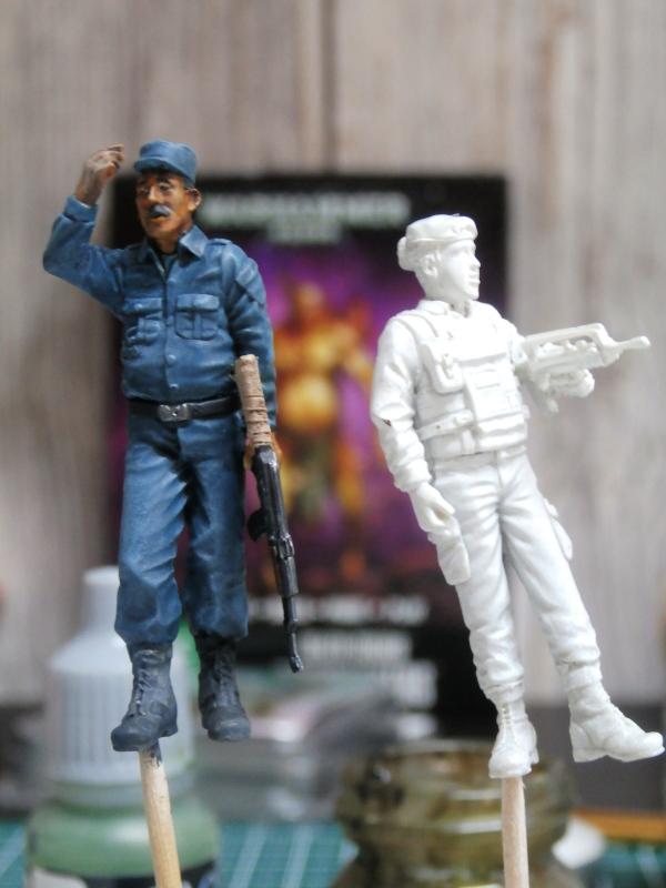 Afghanistan scène 1 - Figurines Djitis Production + figurine Meng 1/35 (FINI) P6130010