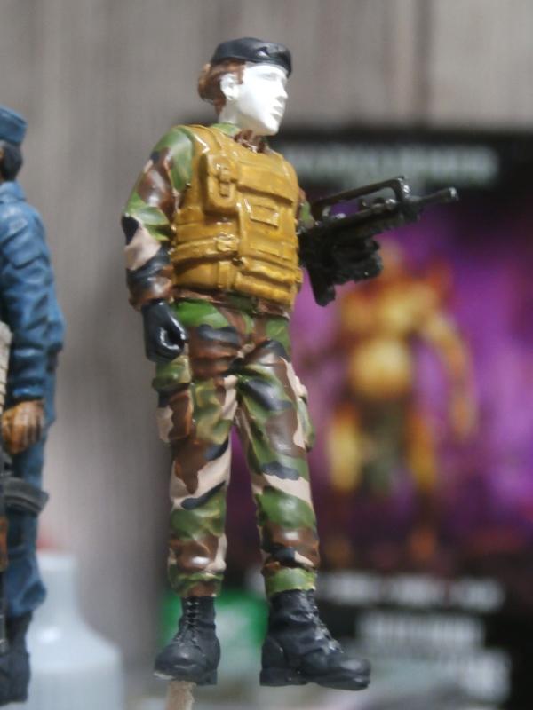 Afghanistan scène 1 - Figurines Djitis Production + figurine Meng 1/35 (FINI) P6140018
