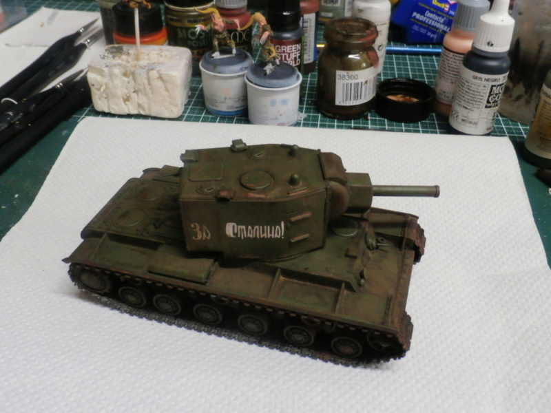 KV-2 Italeri 1/56 + figurine Achtung!Chtulhu 28mm (FINI) P7120011