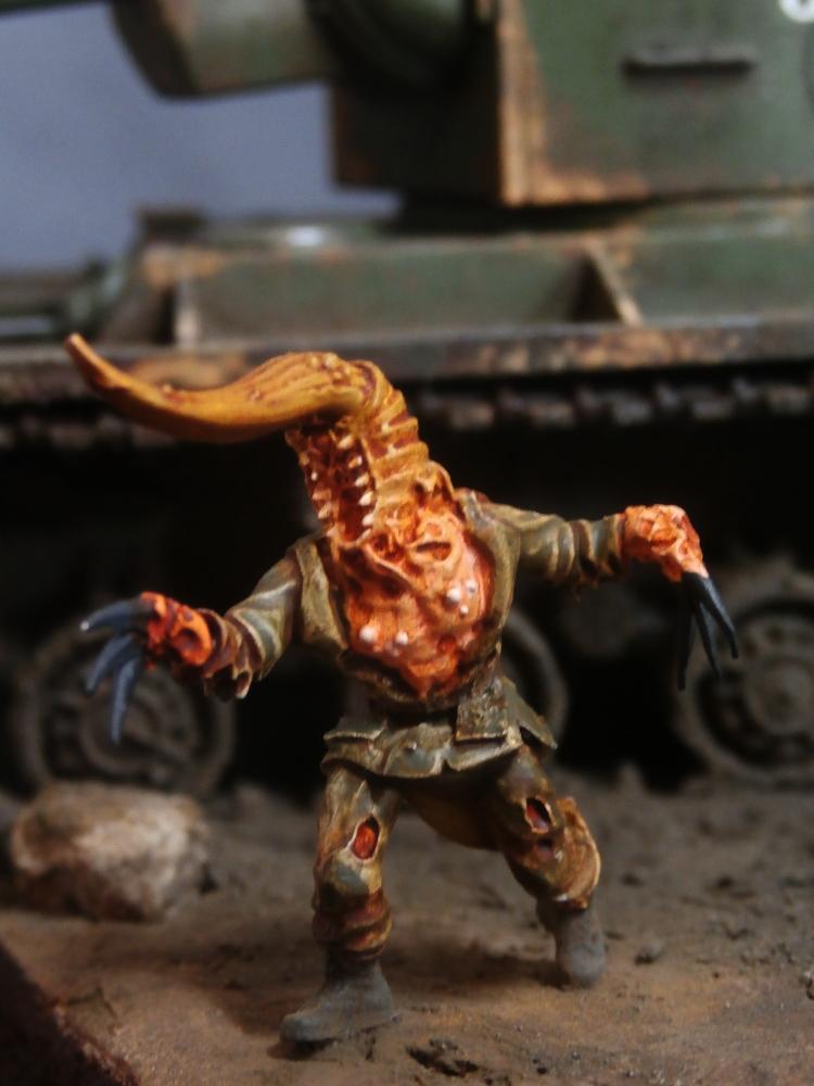 KV-2 Italeri 1/56 + figurine Achtung!Chtulhu 28mm (FINI) P7130019